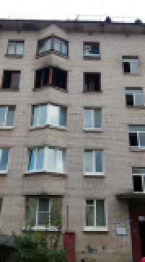 Гатчинские пожарные спасли жильцов многоквартирного дома