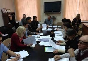 Депутатская комиссия по ЖКХ: мыть или не мыть подъезд самим?
