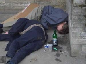 В Гатчине участились случаи засыпания пьяных людей на дороге