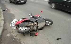 В Гатчинском районе школьник на скутере попал в аварию