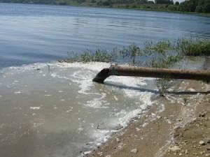Гатчинской прокуратурой приняты меры по фактам несанкционированных сбросов бытовых стоков в реку   Ижора