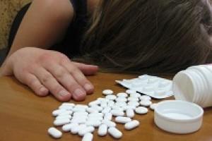 В Никольском девушка пытались покончить жизнь самоубийством